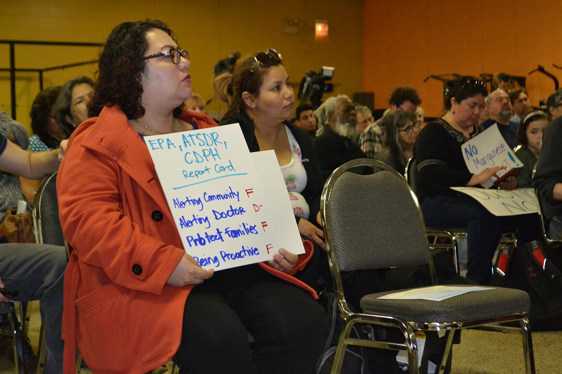 Residents criticized public health officials during a public meeting Thursday for what they said has been a slow response to manganese pollution on the Southeast Side. (Alex Ruppenthal / Chicago Tonight)