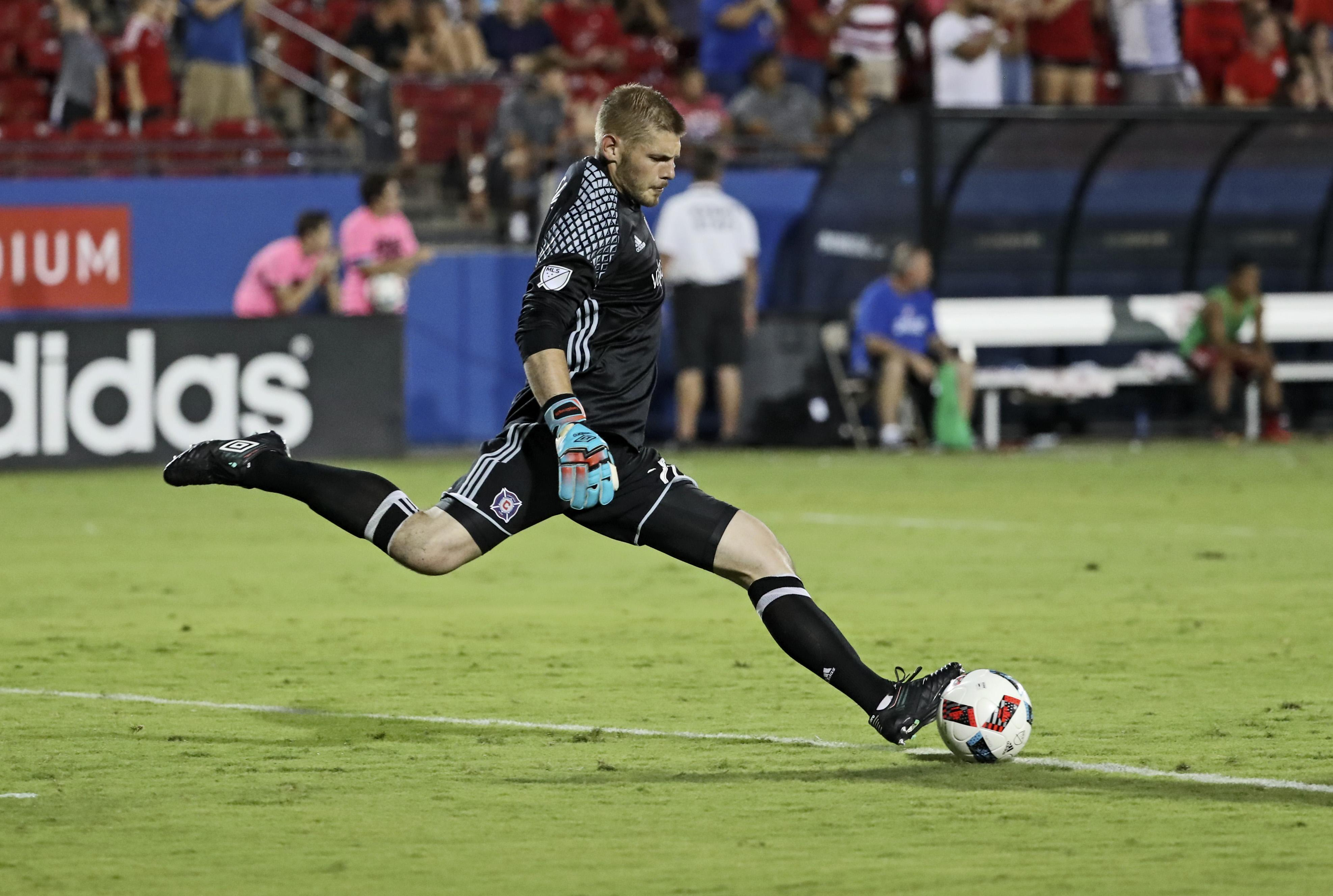 Chicago Fire goalie Matt Lampson (USA Today Sports Images)