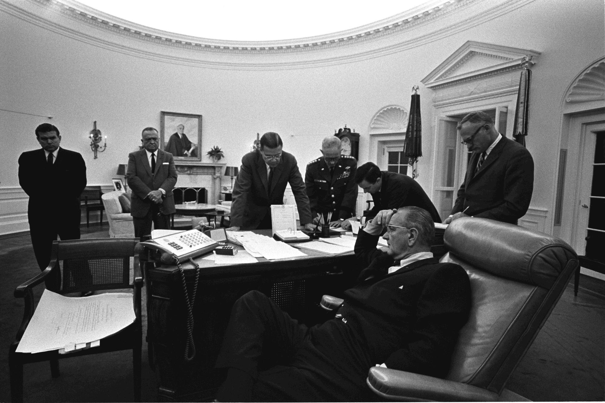 Lbj Oval Office President Lyndon B Johnson With His Wife Lady