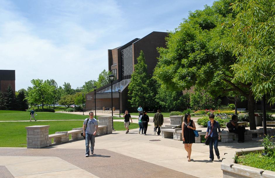 Northeastern Illinois University Campus Tour