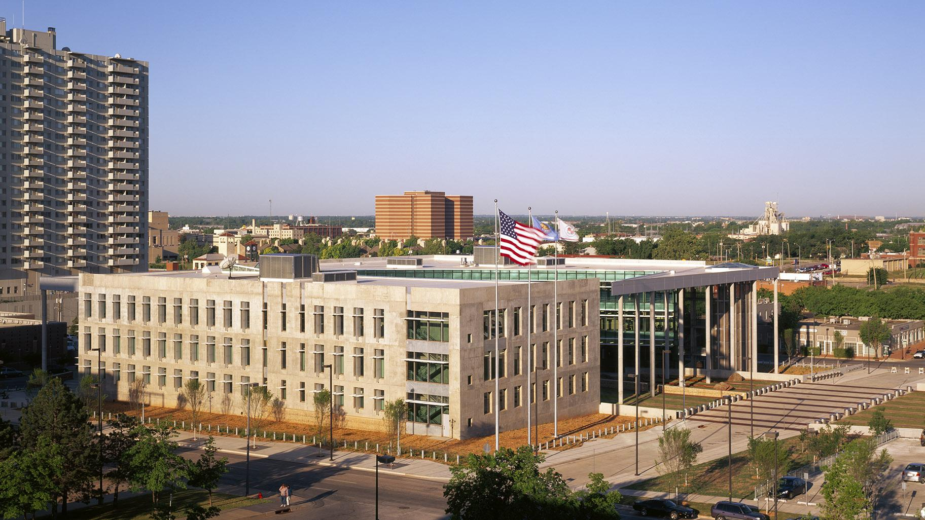 Oklahoma City Federal Building (Courtesy Ross Barney Architects)