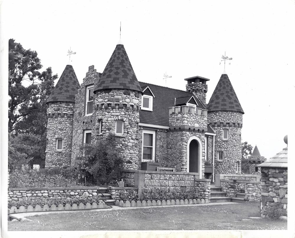 Bettendorf Castle in Fox River Grove