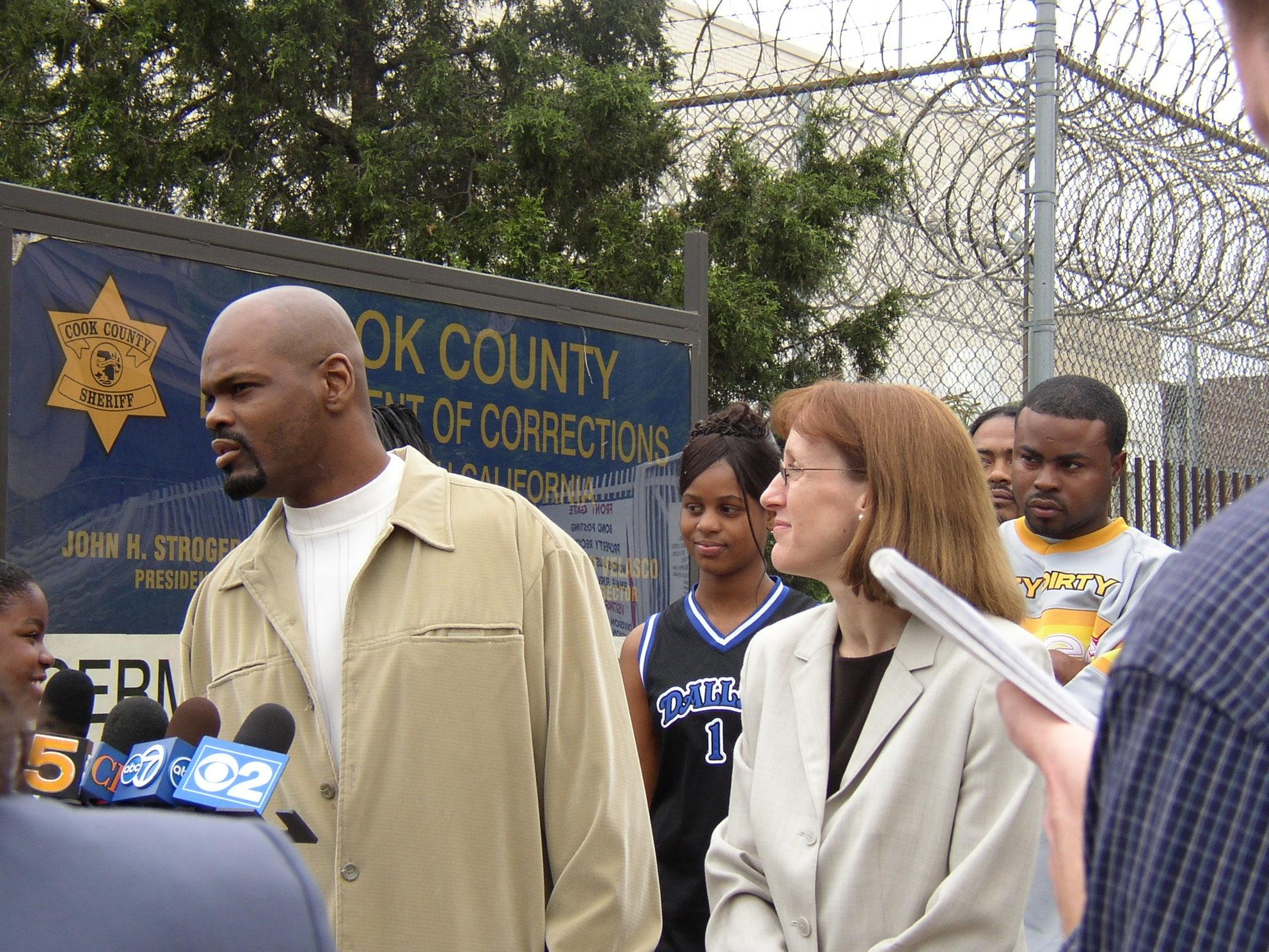 Chicago native Dana Holland speaks to the press after being released from prison in June 2003. He had served more than 3,500 days before being exonerated. (Courtesy of Karen Daniel / Center on Wrongful Convictions)