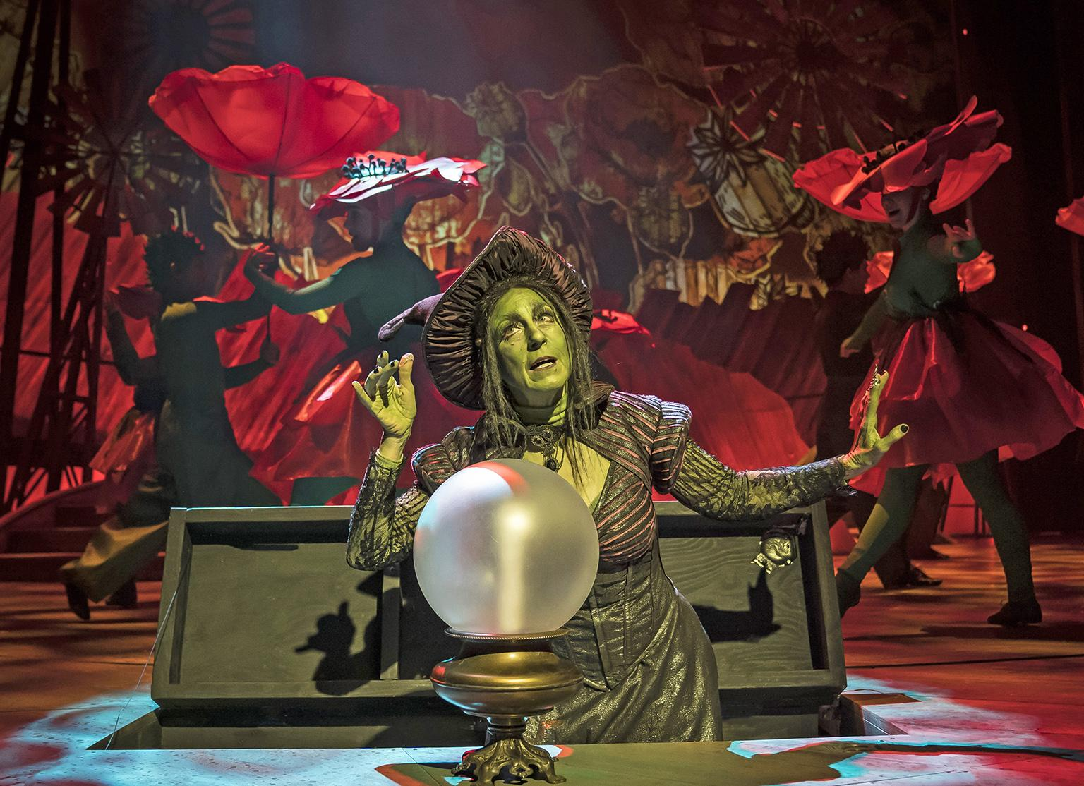 "Caron Buinis plays the fiery Wicked Witch of the West in ""The Wizard of Oz."" (Photo credit: Liz Lauren)"