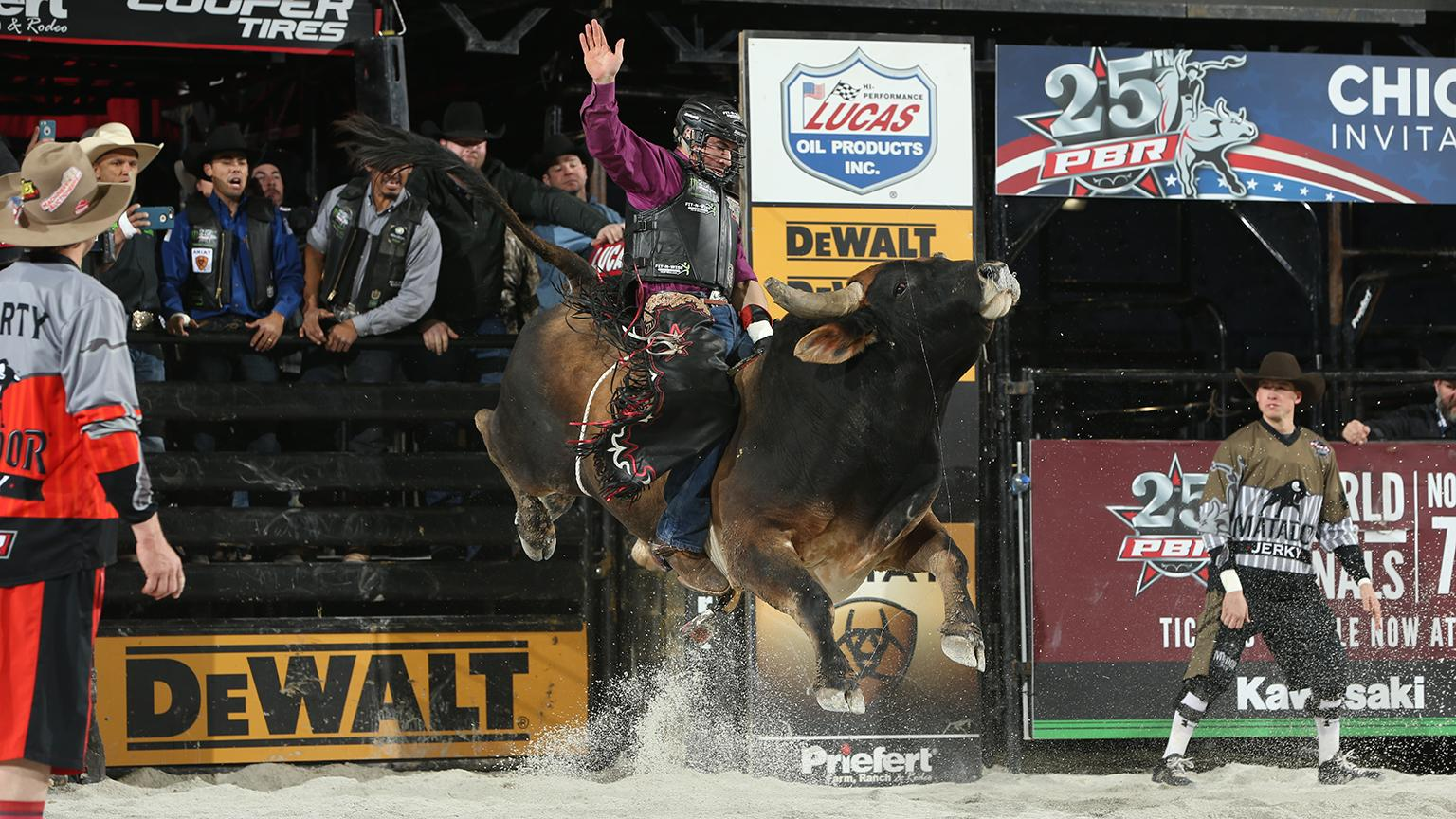 Ramon de Lima rides Blake Sharp/Sharp Farm & Cattle's Panama Outlaw during the second round of the Chicago Unleash the Beast PBR. (Photo by Andy Watson)