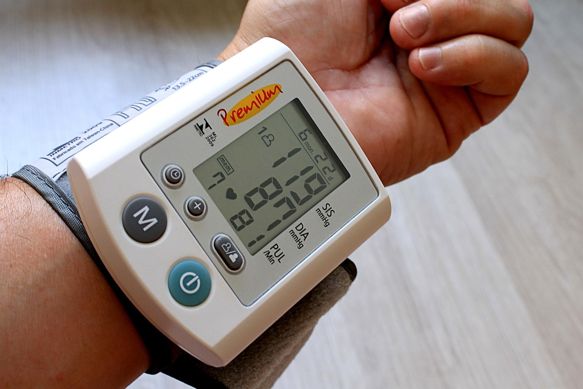 "Dr. Holly Kramer recommends people interested in starting an intensive systolic blood pressure lowering program speak with their doctors and ""weigh the risks and the benefits."" (Pixabay)"