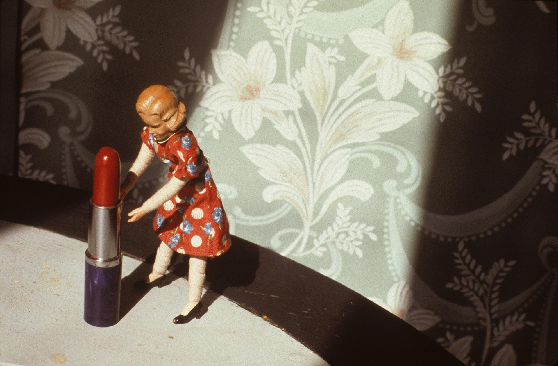Laurie Simmons, Pushing Lipstick (Spotlight), 1979. Photo: © Laurie Simmons, courtesy of the artist and Salon 94.
