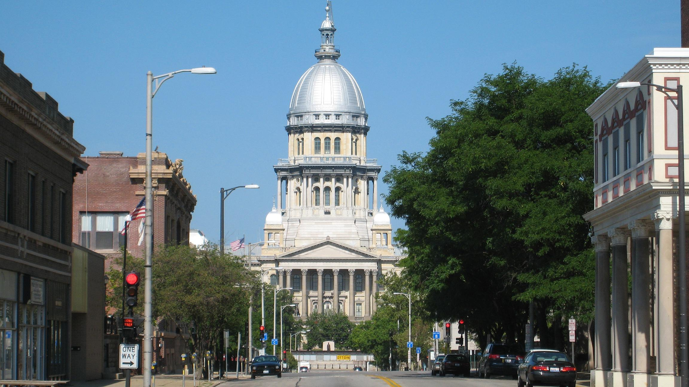 What Happens If Illinois Lawmakers Don't Pass a Budget?