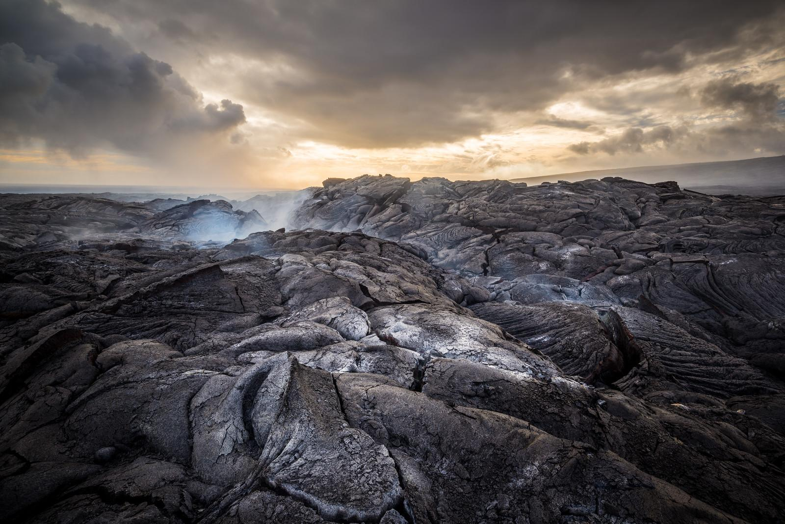 Previous studies argued that Earth's crust 3.5 billion years ago looked like these Hawaiian lavas, but a new study led by UChicago scientists suggests that plate tectonics had already transformed the crust into lighter-colored felsic rock by then. (Basil Greber / University of Chicago)
