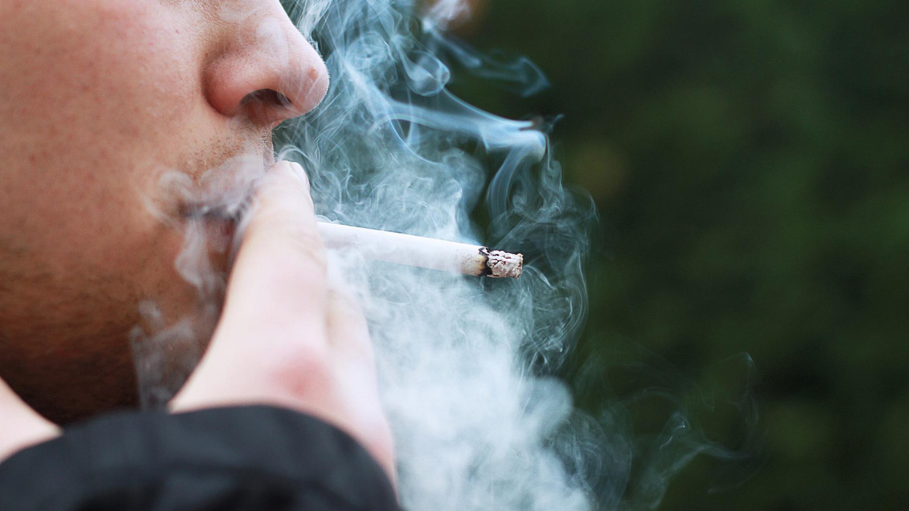 Illinois Raises Smoking Age to 21 | Chicago News | WTTW