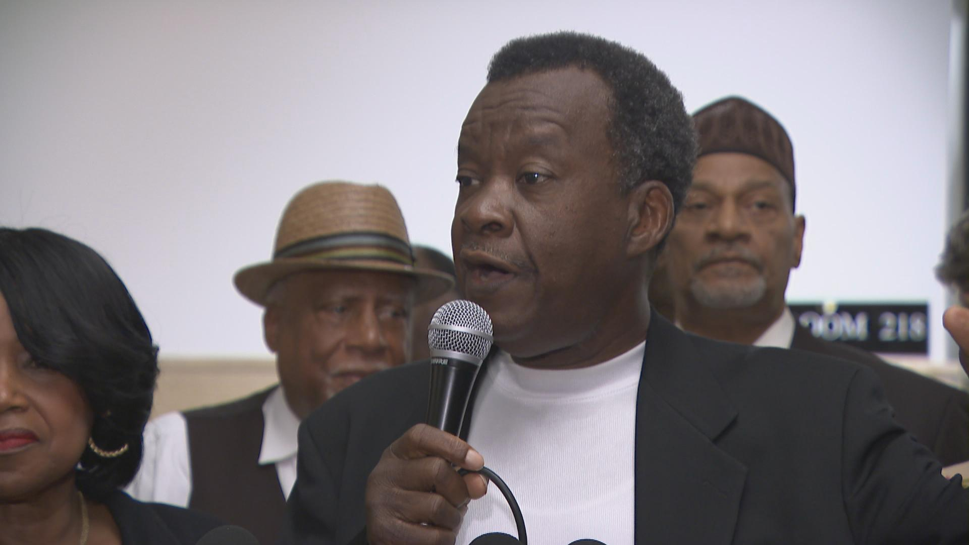"""This is not a political situation. We've been doing this for the last 10, 15, 20 years,"" Chicago mayoral candidate Willie Wilson said Wednesday, Aug. 1, 2018 of his foundation's giveaways of money. (Chicago Tonight)"