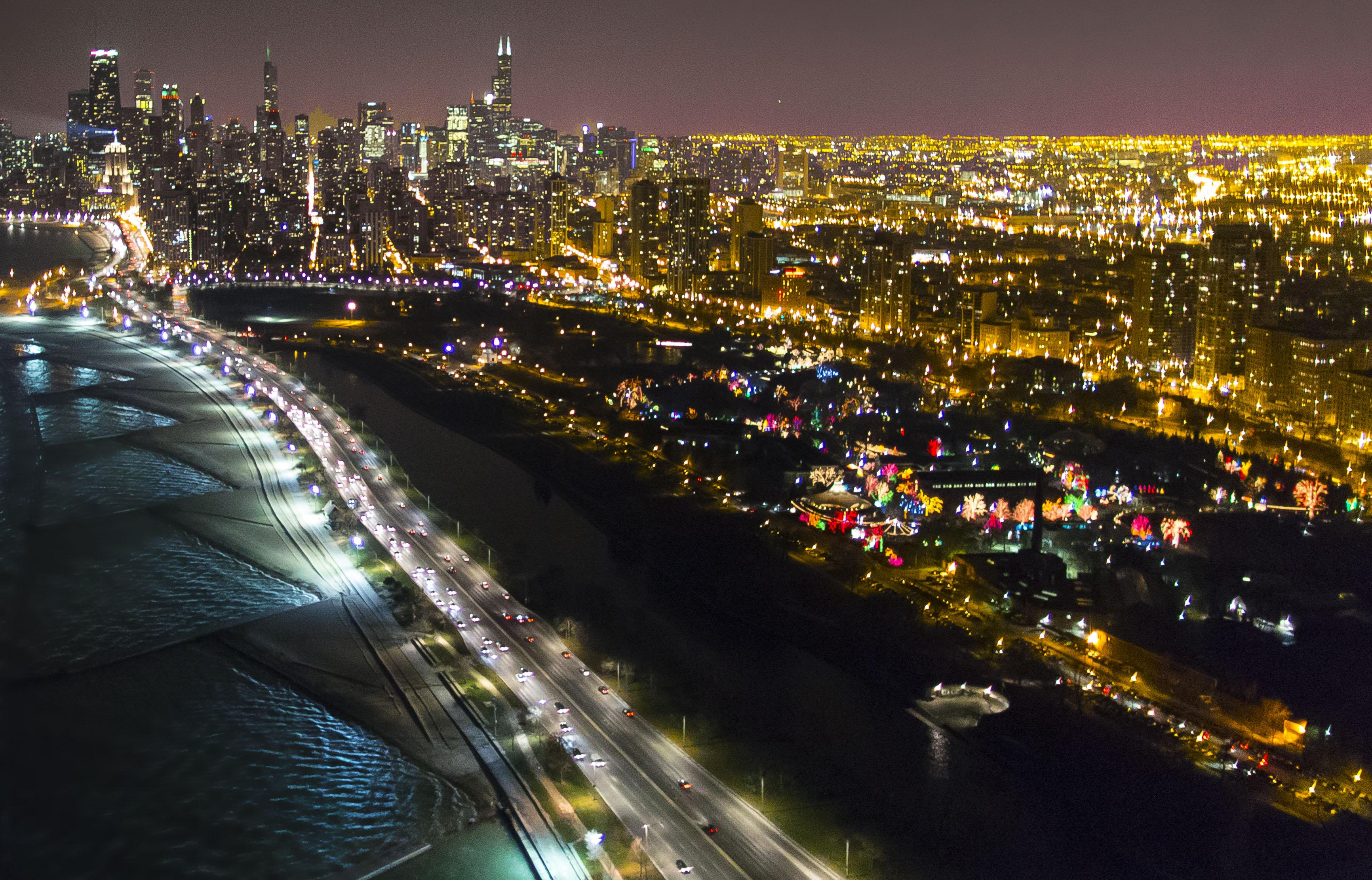 Fly over the city for illuminating views. (Courtesy Chicago Helicopter Experience)