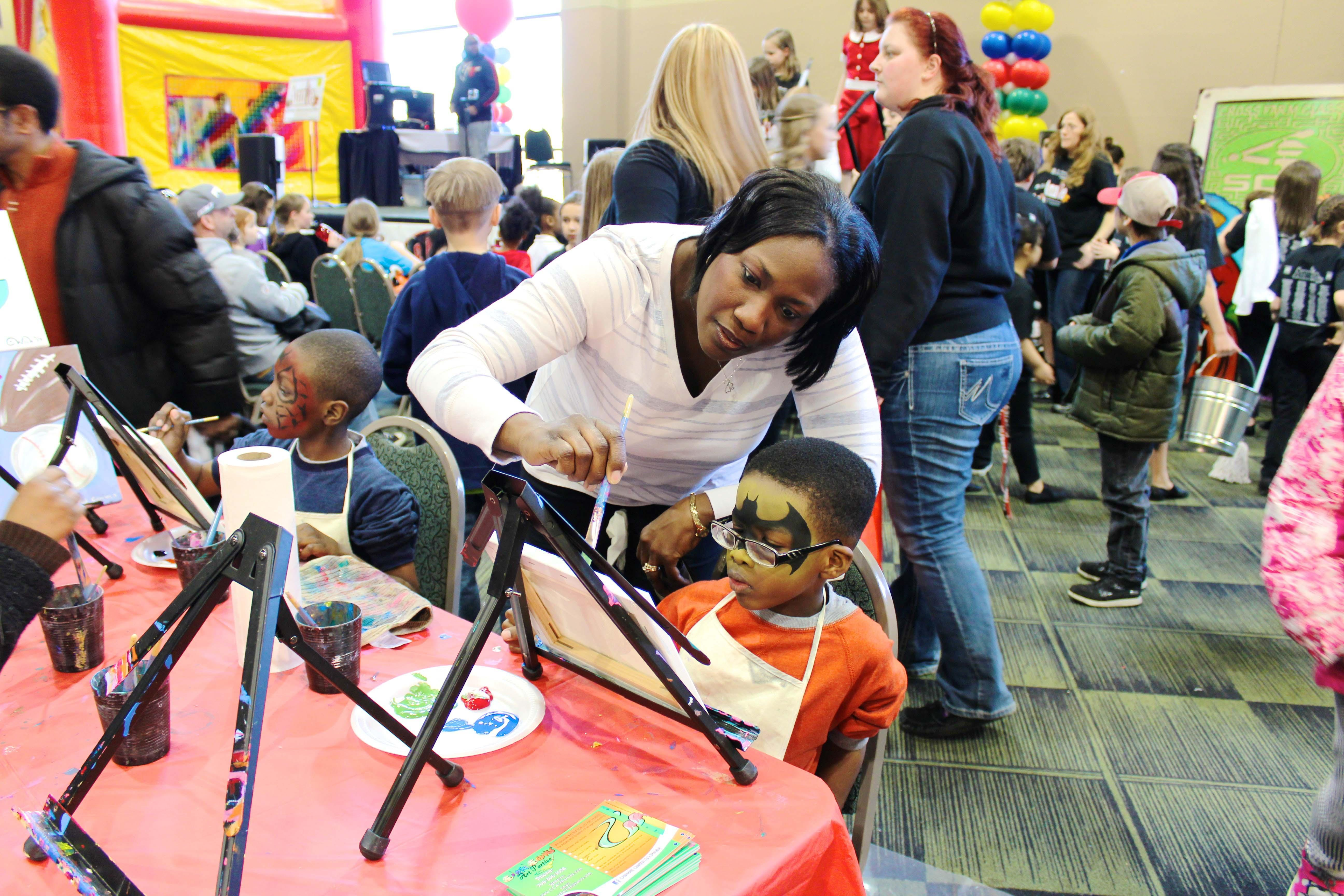 Children have the opportunity to paint their faces, paint canvases and peruse more than 100 exhibitions at the Chicagoland Kids Expo. (Courtesy of Chicagoland Kids Expo, 2015)