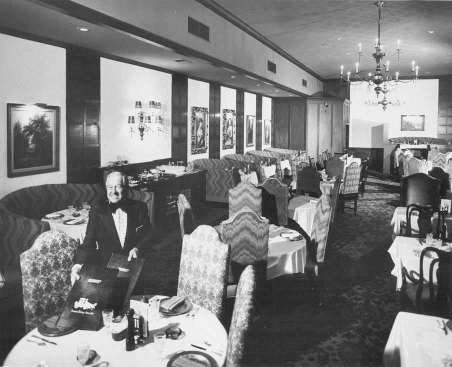 Henrici's Restaurant at the O'Hare Inn, 1976