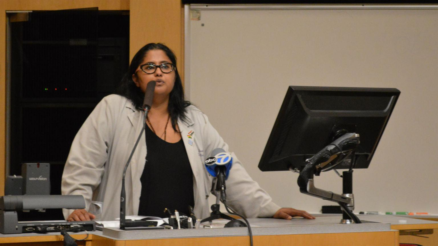 Dr. Mamta Swaroop talks Monday, Sept. 17, 2018 about her work teaching community members how to treat gunshot victims. (Kristen Thometz / Chicago Tonight)