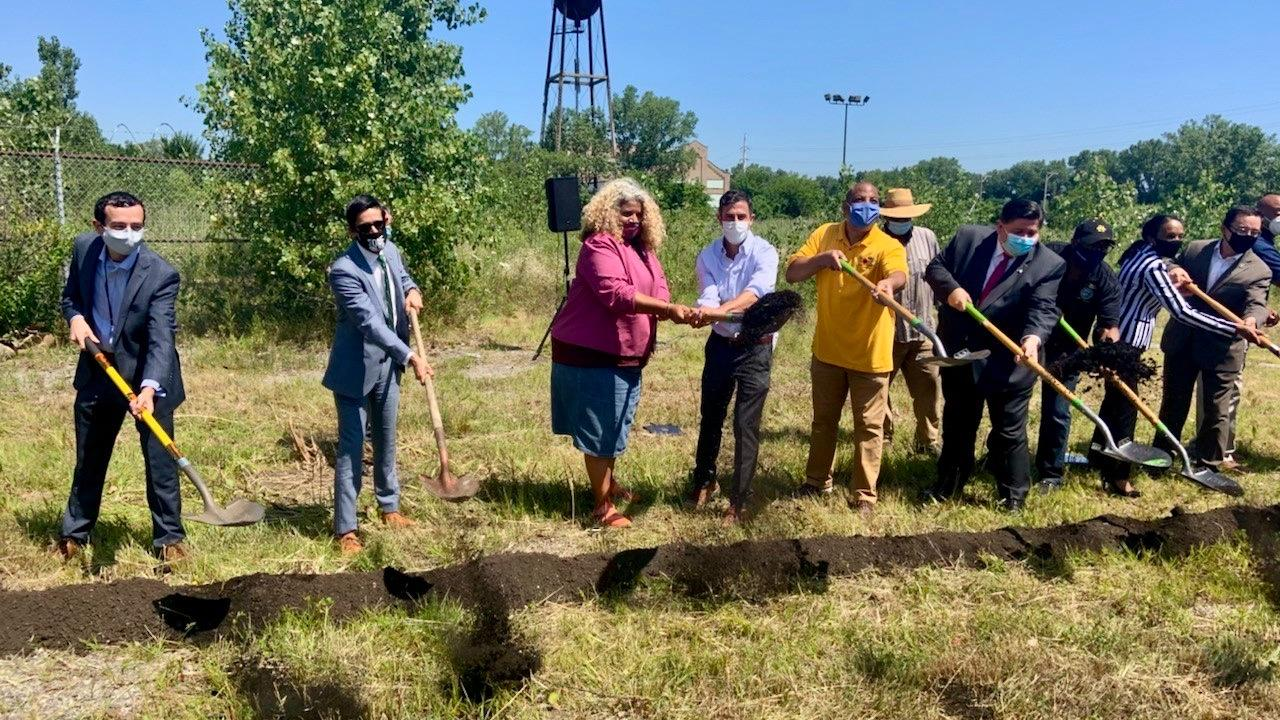 A $2 million investment from the state pushed funding for an urban farming campus over the top, paving the way for Friday's groundbreaking. (Illinois Department of Commerce and Economic Opportunity / Twitter)