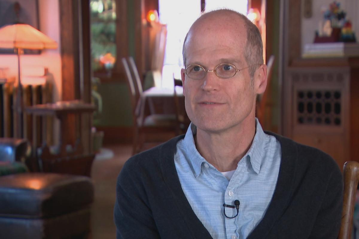Artist Chris Ware (WTTW News)