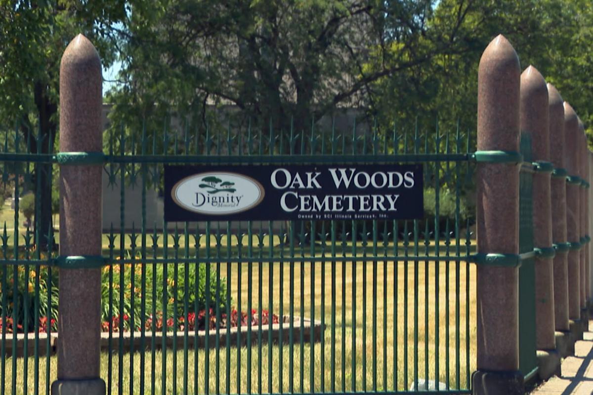 Oak Woods Cemetery (WTTW News)