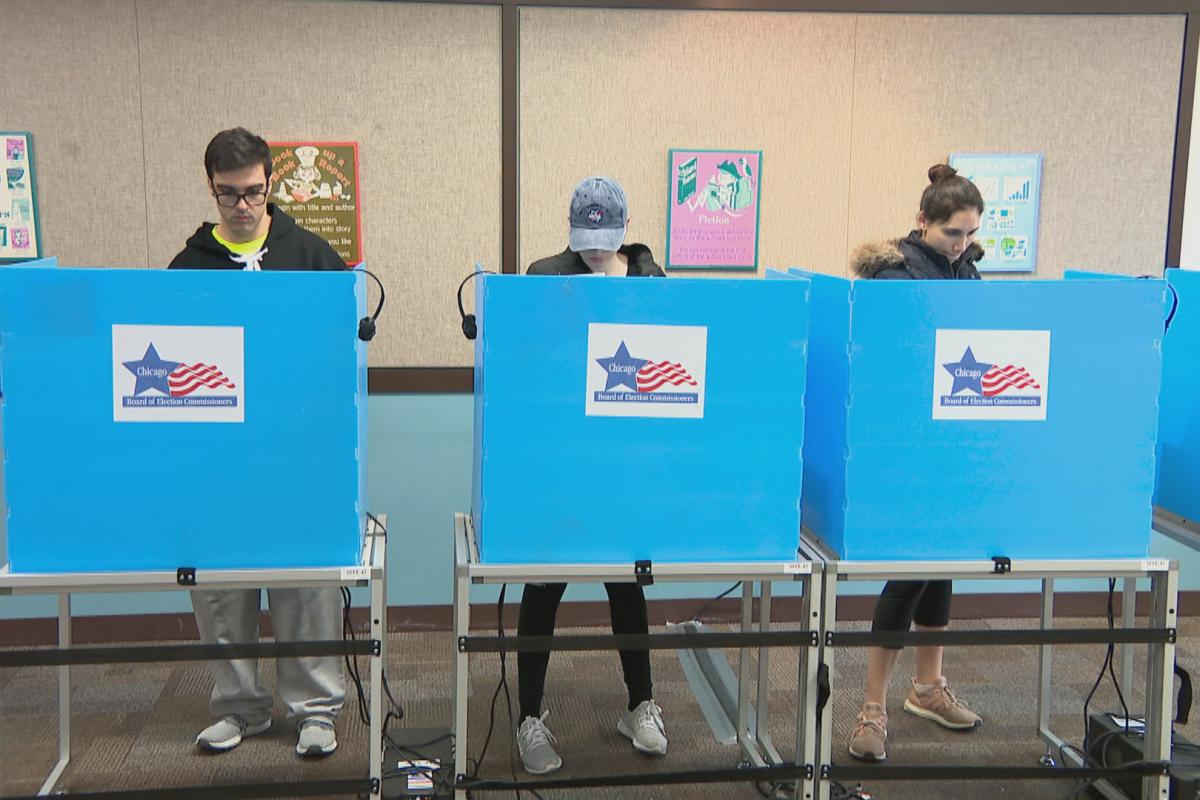 Chicago voters hit the polls on primary election day, Tuesday, March 17, 2020. (WTTW News)