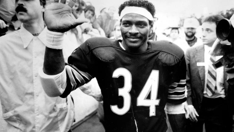 Chicago Bears running back Walter Payton. (Photo © Chicago Tribune)