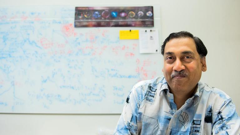 Vikram Dwarkadas, research associate professor in UChicago's Department of Astronomy and Astrophysics (Jean Lachat / University of Chicago)