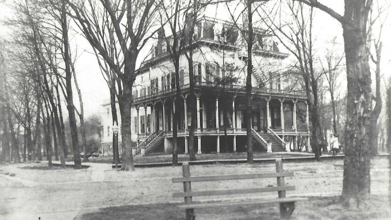 Norwood Park Hotel (Courtesy of Norwood Park Historical Society)