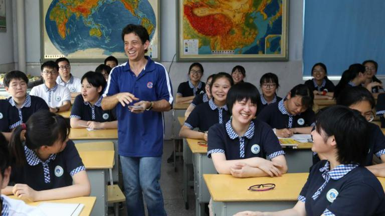 Jeff Axelrod with is students in Zhangjiagang, China. (Courtesy Jeff Axelrod)