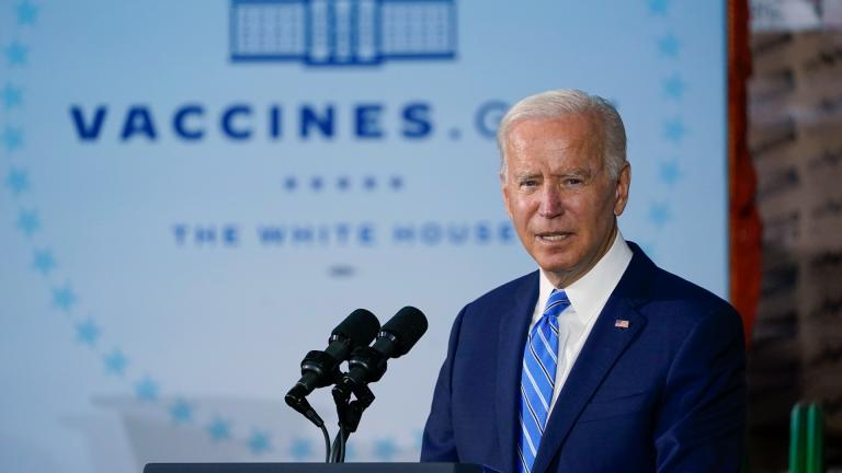 President Joe Biden speaks about COVID-19 vaccinations after touring a Clayco Corporation construction site for a Microsoft data center in Elk Grove Village, Ill., Thursday, Oct. 7, 2021. (AP Photo / Susan Walsh)