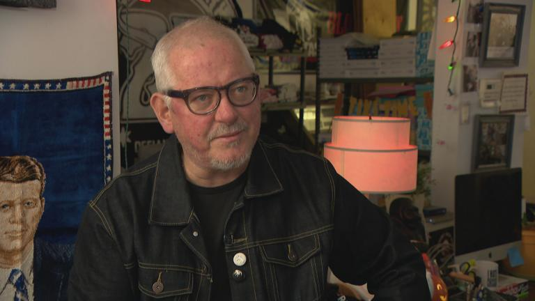 Chicago-based musician Jon Langford speaks with WTTW News about long relationship with Bloodshot Records. (WTTW News)