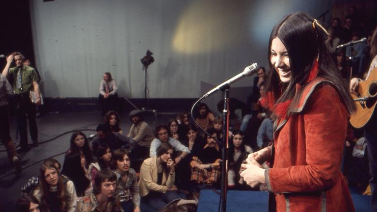 """Bonnie Koloc is featured in this WTTW """"Made in Chicago"""" series from 1973. (WTTW)"""