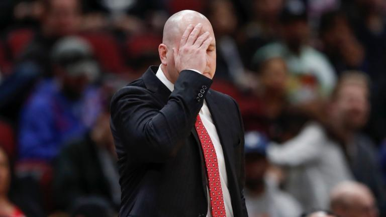 In this Tuesday, April 9, 2019, file photo, Chicago Bulls head coach Jim Boylen reacts during the second half of an NBA basketball game against the New York Knicks, in Chicago. (AP Photo / Kamil Krzaczynski, File)