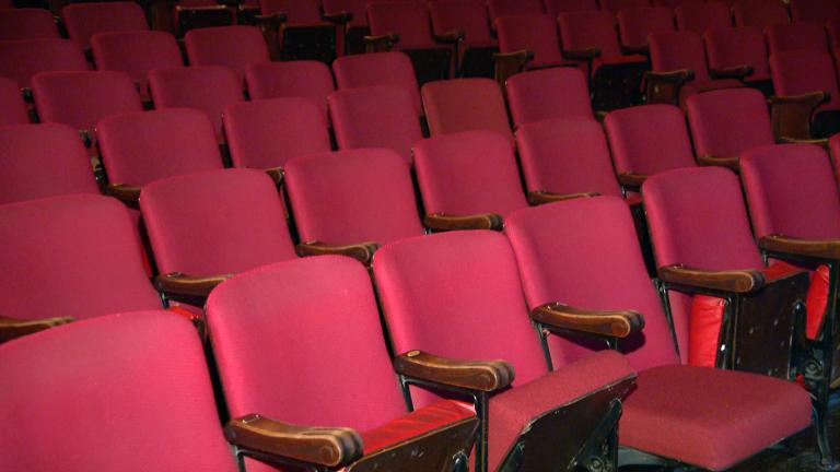 Empty seats await the return of Chicago theatergoers. (WTTW News)