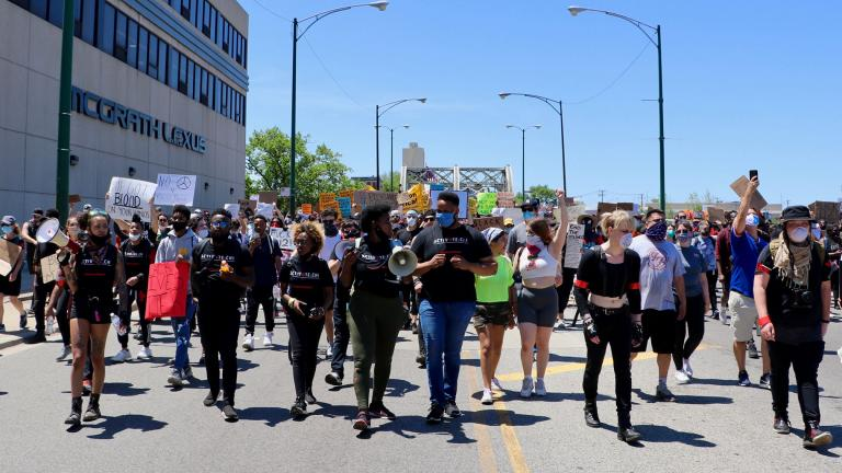 Thousands gathered Saturday, June 6, 2020 in Chicago's Union Park and marched to Seward Park to peacefully protest police brutality and call for justice. (Evan Garcia / WTTW News)