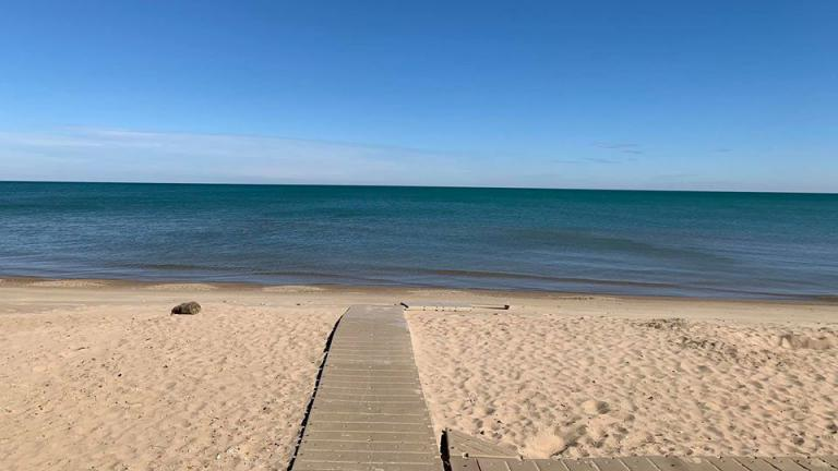 Daily passes are no longer available for Evanston beaches. (Evanston Parks & Recreation / Facebook)