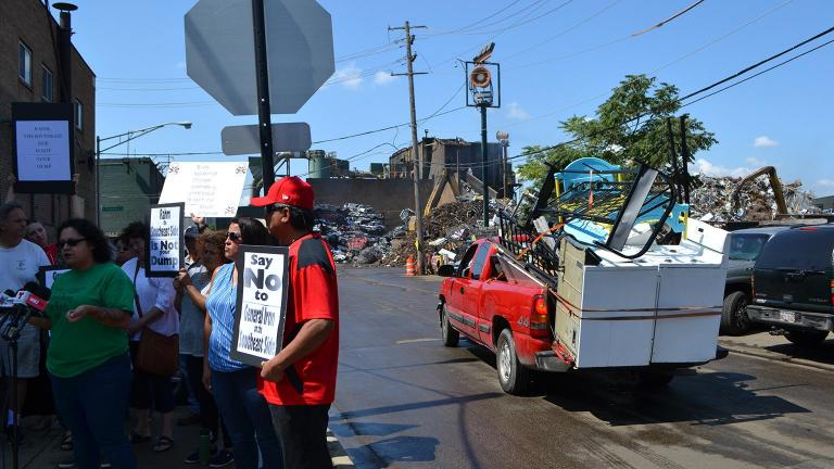 Southeast Side residents protested in 2018 in front of General Iron's scrap metal yard in Lincoln Park. (Alex Ruppenthal / WTTW News)