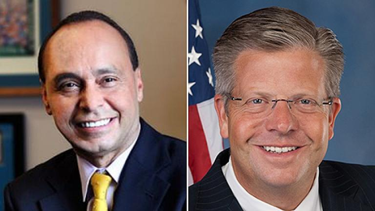 Illinois Congressmen Luis Gutiérrez, left, and Randy Hultgren