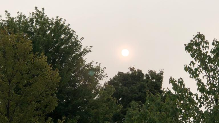 Hazy skies over Chicago are due to smoke from West Coast wildfires. (Patty Wetli / WTTW News)