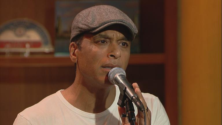 "Jon Secada performs on ""Chicago Tonight."""