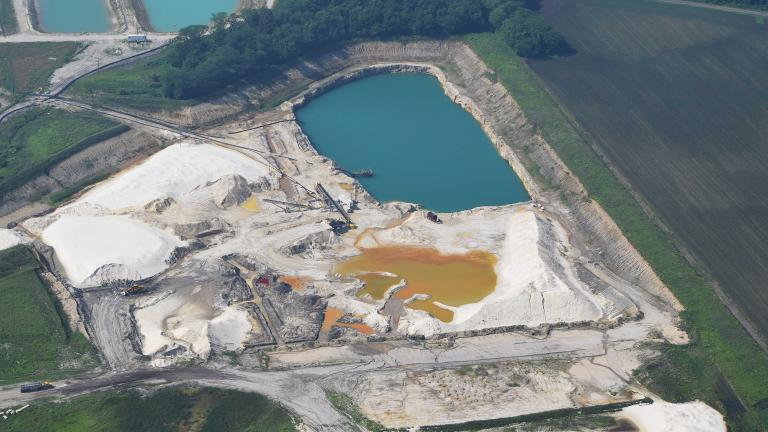 A sand mine in LaSalle County operated by U.S. Silica (Ted Auch / FracTracker Alliance)