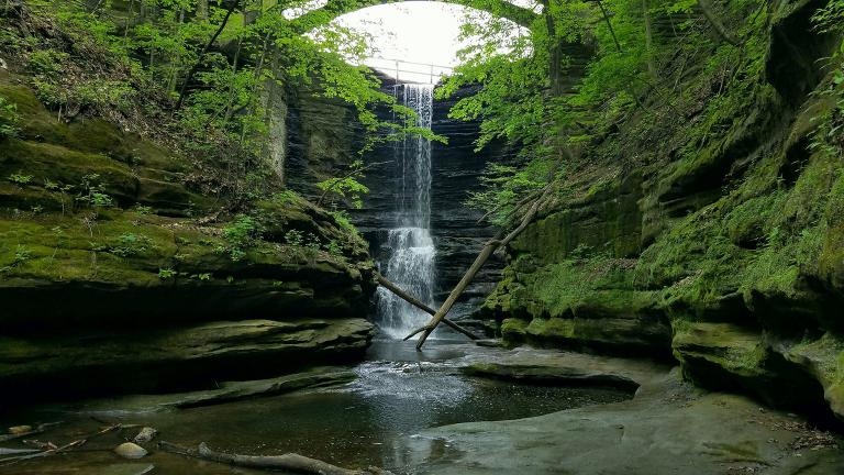 A waterfall in Starved Rock State Park. (Arturo Hurtado / Flickr)