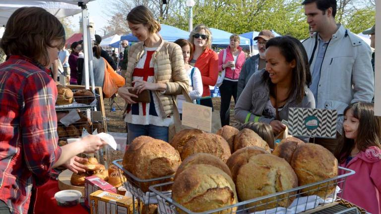 Shoppers at Green City Market. (Photo by Cindy Kurman / Kurman Communications)