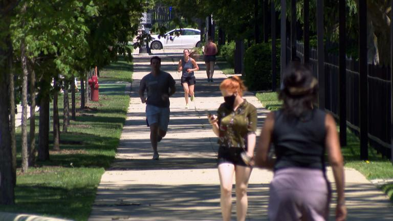 Students on the campus of Northwestern University. (WTTW News)