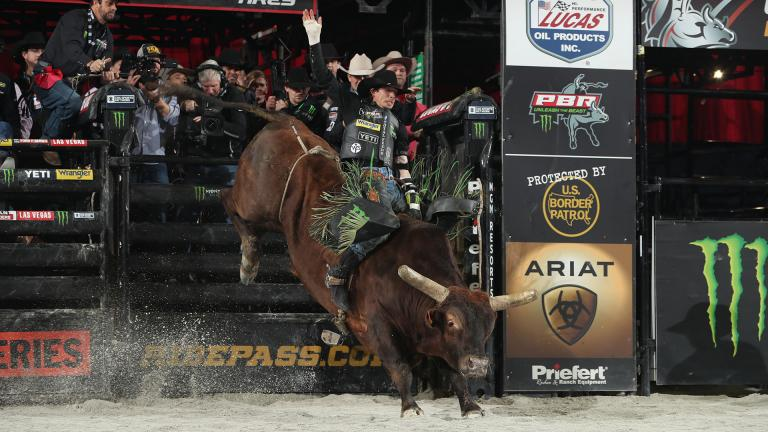 JB Mauney rides during the second round of the 2019 Chicago PBR Unleash The Beast. (Photo by Andy Watson, BullStock Media)