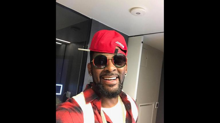 (R. Kelly / Facebook)