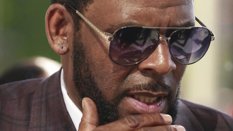 This photo from Wednesday, June 26, 2019, shows R&B singer R. Kelly arriving at the Leighton Criminal Court in Chicago for arraignment on sex-related charges. (AP Photo / Amr Alfiky, File)