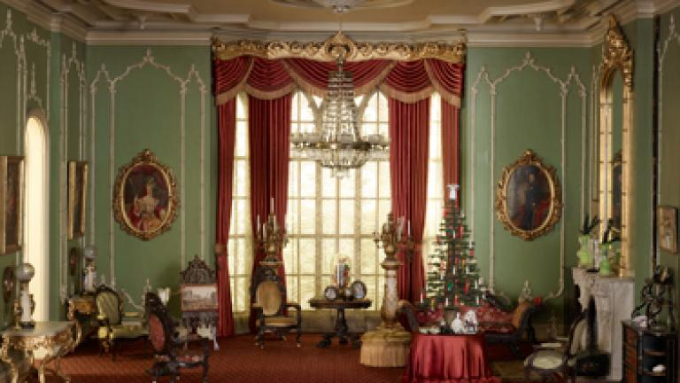 Holiday Thorne Rooms. Courtesy of The Art Institute of Chicago.