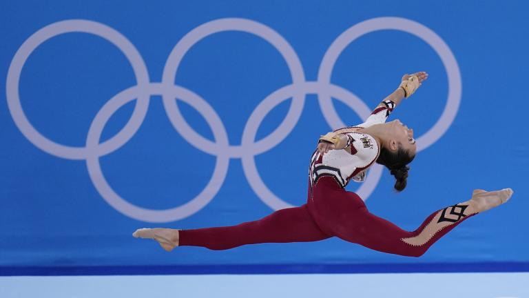Pauline Schaefer-Betz, of Germany, performs her floor exercise routine during the women's artistic gymnastic qualifications at the 2020 Summer Olympics, Sunday, July 25, 2021, in Tokyo. (AP Photo / Gregory Bull)