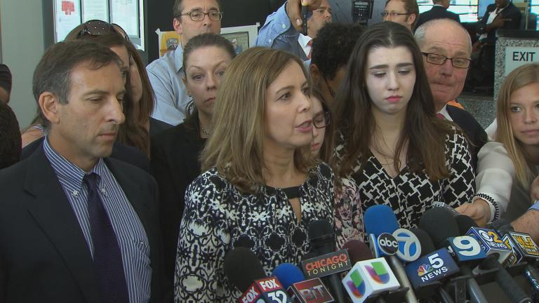 Patti Blagojevich speaks to the media on Tuesday.