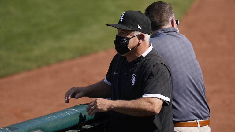 Chicago White Sox manager Rick Renteria watches as players practice during a baseball workout in Oakland, Calif., Monday, Sept. 28, 2020. (AP Photo / Jeff Chiu)