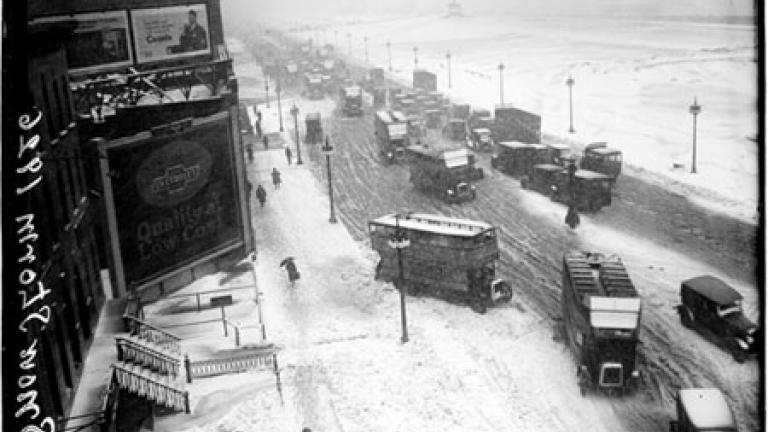 Snow storm in Chicago, Illinois, 1926. Courtesy of Chicago History Museum.
